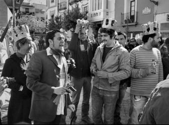 Intervenciones en Jueves. Serafín Zapico, ataviado como Enrique El Cojo. Foto: ABC
