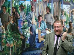 El artista Guillermo Pérez Villalta posa junto a su obra